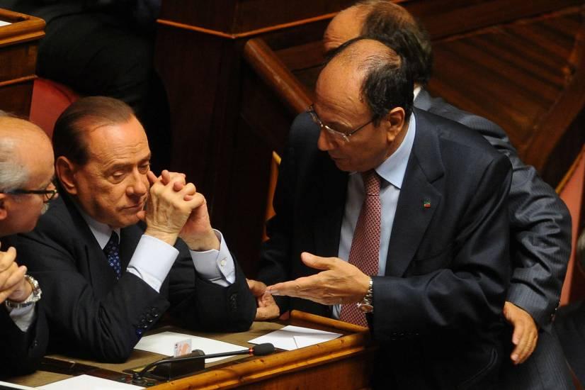 """""""Il presidente fu irremovibile. Costrinse il governo a schierarsi con Sarkozy"""""""